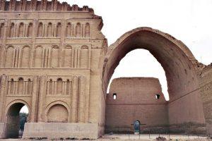 طاق کسرا یا ایوان مدائن- کشور عراق - درس بیستم مطالعات اجتماعی پایه ششم ابتدایی - کلاس اینترنتی ما - مطالعه موردی - مومکا - moeka.ir